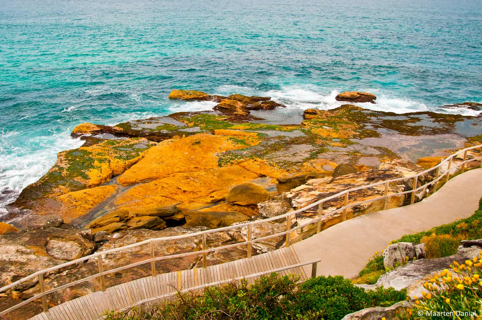 Cliffs over Bondi